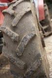 Detalhe de pneumático do trator Imagem de Stock