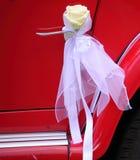 Detalhe de porta de carro vermelha do vintage Fotos de Stock Royalty Free