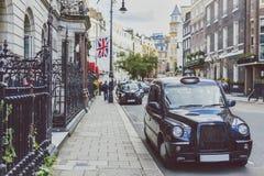 Detalhe de rua de Mayfair, em uma área afluente do CEN da cidade de Londres Imagens de Stock