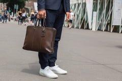 Detalhe de saco durante a semana de moda de Milan Men Foto de Stock