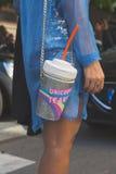 Detalhe de saco fora da construção do desfile de moda de Etro em Milão, Itália Fotografia de Stock Royalty Free