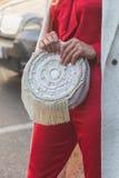 Detalhe de saco fora da construção do desfile de moda de Etro em Milão, Itália Fotos de Stock Royalty Free