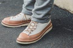 Detalhe de sapatas na semana de moda do ` s de Milan Men Fotografia de Stock