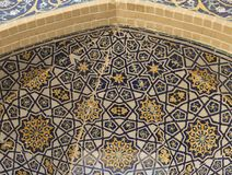 Detalhe de trabalho da telha da opinião inferior da mesquita da probabilidade de intercepção Kalon imagens de stock royalty free