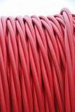 Detalhe de tubulações e de fios elétricos entre bobinas imagens de stock royalty free