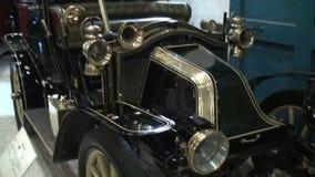 Detalhe de um carro clássico video estoque