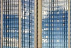 Detalhe de um prédio de escritórios moderno Imagem de Stock