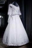 Detalhe de um vestido de casamentos em um manequim Imagem de Stock Royalty Free