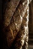 Detalhe de uma coluna cinzelada imagem de stock royalty free