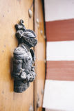 Detalhe de uma decoração do cavaleiro do ferro de uma porta árabe Imagem de Stock