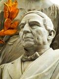 Detalhe de uma escultura de Benito Juarez imagens de stock