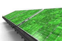 Detalhe de uma linha de painéis solares verdes Foto de Stock Royalty Free