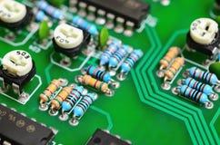 Detalhe de uma placa de circuito impresso eletrônica Foto de Stock Royalty Free