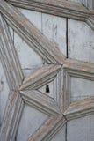 Detalhe de uma porta mediterrânea velha Foto de Stock Royalty Free