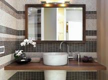 Detalhe de washbasin no banheiro moderno Foto de Stock