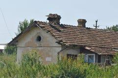 Detalhe deteriorado da casa imagens de stock