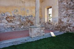 Detalhe do pátio do monastério ex do ` Agostino de Sant, Itália Fotografia de Stock