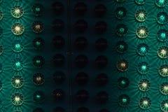 Detalhe do parque de diversões com luzes verdes Foto de Stock