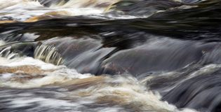 Detalhe do rio do fluxo Fotos de Stock