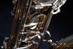 Detalhe do saxofone do conteúdo fotografia de stock