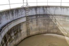 Detalhe do tanque de sedimentação imagem de stock