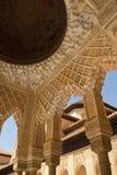 Detalhe do telhado e da coluna Imagem de Stock Royalty Free