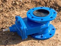 Detalhe dos encaixes, válvulas de porta de 150mm para o abastecimento de água da bebida Reparação do encanamento fotografia de stock