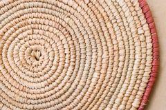 Detalhe feito a mão da textura de Mat Extra Rough Plaiting Grunge do lugar da ráfia Tradicional handcraft tecem o teste padrão af fotos de stock