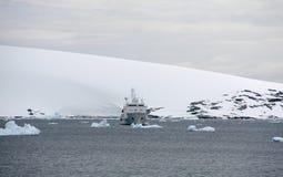 Detalhe, geleira que flui no oceano Fotografia de Stock Royalty Free
