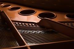Detalhe a ideia do interior de um piano de cauda imagem de stock royalty free
