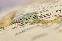 Detalhe macro Nicarágua do mapa do globo Fotografia de Stock Royalty Free