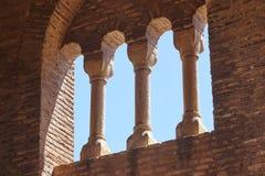 Detalhe Mudejar da arte Archs e colunas Herança espanhola Teruel fotografia de stock royalty free