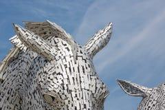 Detalhe os Kelpies da vista, esculturas das cabeças de cavalo perto de Falkirk Fotografia de Stock