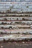 Detalhe sujo velho das escadas Fotos de Stock Royalty Free