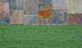 Detalhe surreal do gramado com parede Imagens de Stock Royalty Free