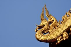 Detalhe tailandês da escultura do templo imagem de stock royalty free