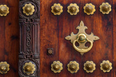 Detalhe tradicional da porta de zanzibar foto de stock