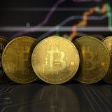 Detalhe virtual dourado da opinião dianteira de dinheiro de Bitcoin fotografia de stock