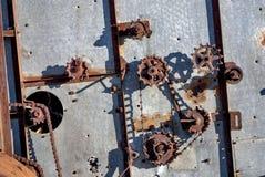 Detalhes abandonados antiguidade da engrenagem da liga Fotos de Stock Royalty Free