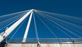 Detalhes abstratos de uma arquitetura moderna da ponte Imagens de Stock