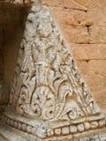 Detalhes antigos, exteriores do arranjo do tijolo e o da cinzeladura Foto de Stock
