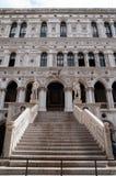 Detalhes arquitectónicos de palácio do Doge fotos de stock