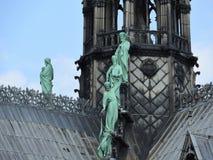 Detalhes arquitetónicos de Notre Dame de Paris Notre Dame Cathedral - Roman Catholic Cathedral gótico o mais famoso 1163-1345 sob foto de stock