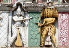 Detalhes arquitetónicos do balaji hindu do deus das pessoas de 200 anos de templo venkateswar Gopuram, a entrada Fotos de Stock
