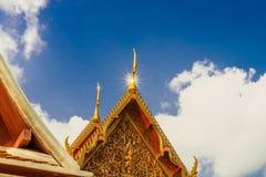 Detalhes arquitetónicos de palácio no templo de Wat Phra Kaew, Banguecoque Imagem de Stock Royalty Free