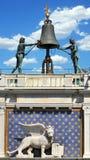 Detalhes astrológicos da torre de pulso de disparo Fotos de Stock Royalty Free