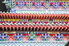 Detalhes coloridos do templo budista Imagem de Stock