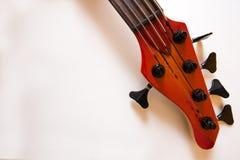 Detalhes da cabeça da guitarra baixa fotografia de stock royalty free