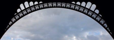 Detalhes de arco da torre Eiffel Fotos de Stock Royalty Free