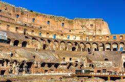 Detalhes de Colosseum ou Flavian Amphitheatre em Roma imagem de stock